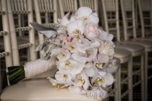 437 08 11 18 300x200 - Wedding Bouquet and Wedding Flower Trends