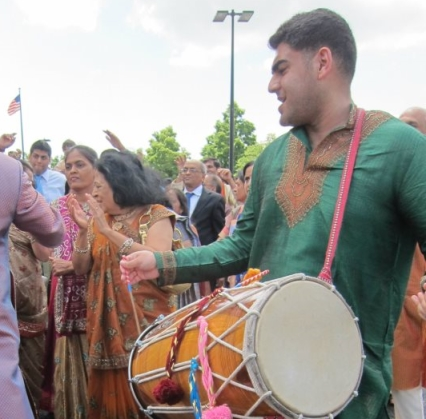 dho img3 - Dhol Player Entertainment