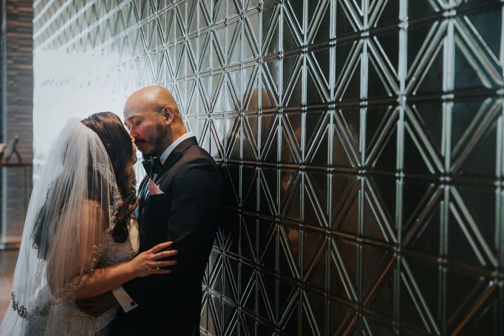 wallkissin 1024x683 - Couples & Bridal Parties