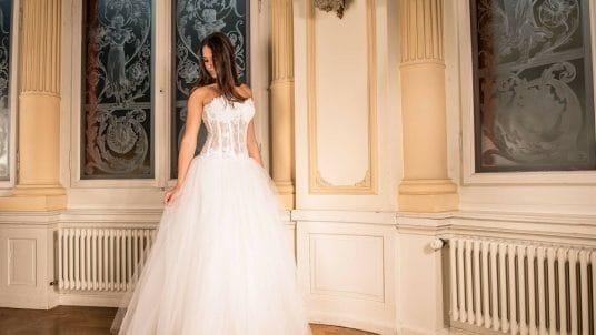 wedding dress 301817 1920 536x302 - The History of the White Wedding Dress